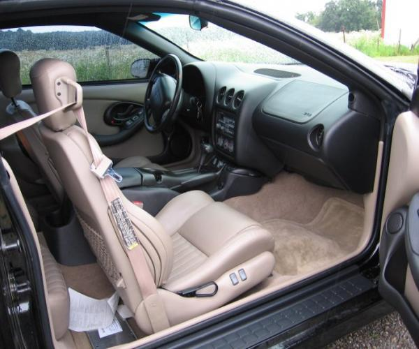 The interior is just immaculate! Not so spacious, but very comfortable, even for a big guy!